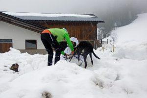 Auffindesituation im Schneehaufen